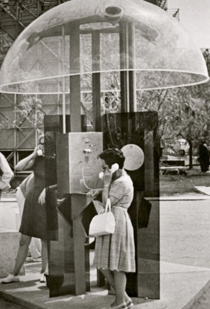 expo-67-telephone-booth3