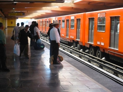 800px-Metro_Mexico_City