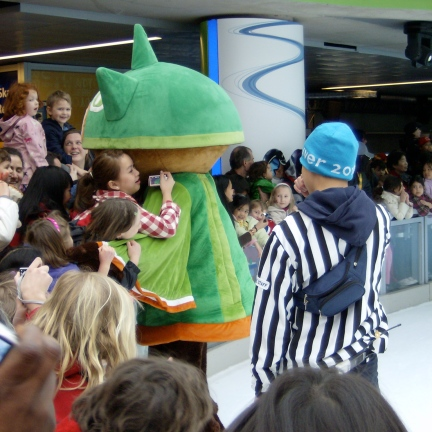 vancouver 2010 meet the mascots games for girls