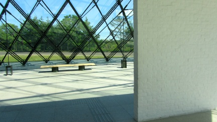 designKULTUR - Isamu Noguchi - Moerenuma Park Sapporo - Glass Pyramid %22Hidimari%22 – 25