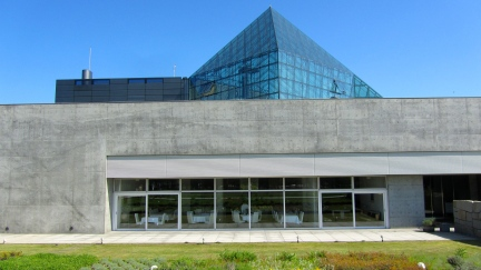 designKULTUR - Isamu Noguchi - Moerenuma Park Sapporo - Glass Pyramid %22Hidimari%22 – 58