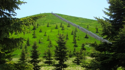 designKULTUR - Isamu Noguchi - Moerenuma Park Sapporo - Mt. Moere - 11