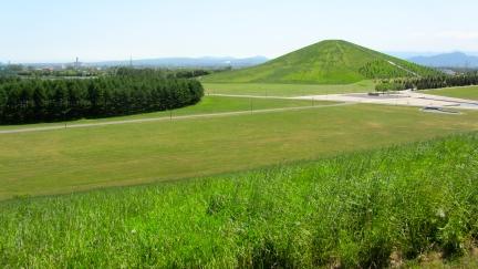 designKULTUR - Isamu Noguchi - Moerenuma Park Sapporo - Mt. Moere - 16