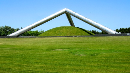 designKULTUR - Isamu Noguchi - Moerenuma Park Sapporo - Tetra Mound - 13