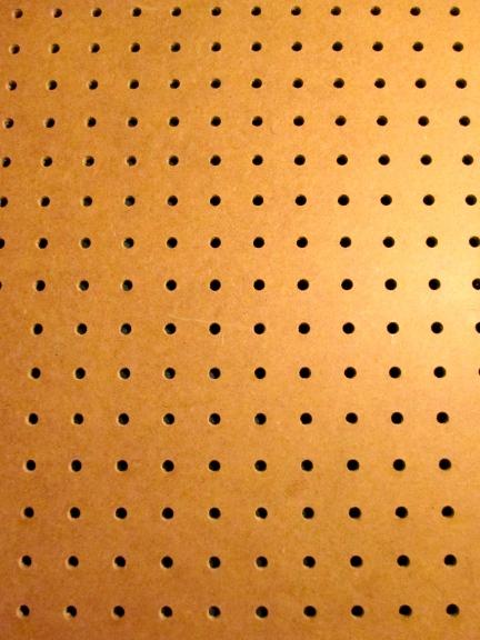 designKULTUR – The Plywood Cottage – Elements – Natural Peg Board