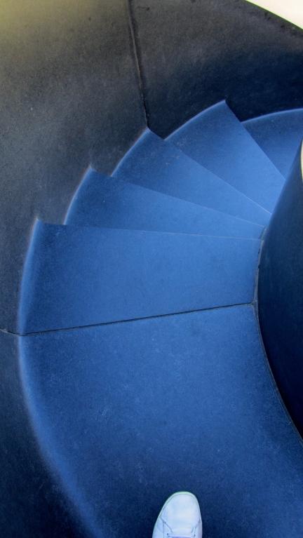 designKULTUR - Isamu Noguchi - Odori Park Sapporo - %22Black Slide Mantra%22 1988 – 23