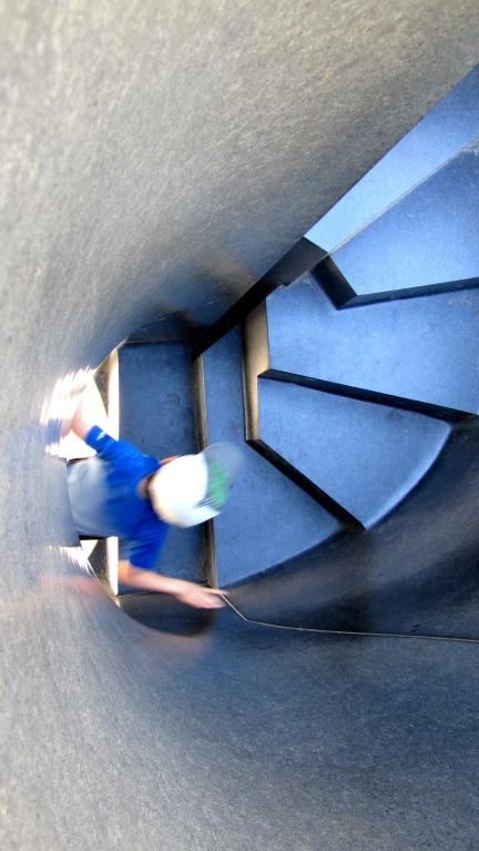 designKULTUR - Isamu Noguchi - Odori Park Sapporo - %22Black Slide Mantra%22 1988 – 26