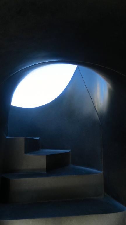 designKULTUR - Isamu Noguchi - Odori Park Sapporo - %22Black Slide Mantra%22 1988 – 7