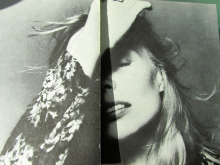 designKULTUR - Joni Mitchell Fashionista - 11