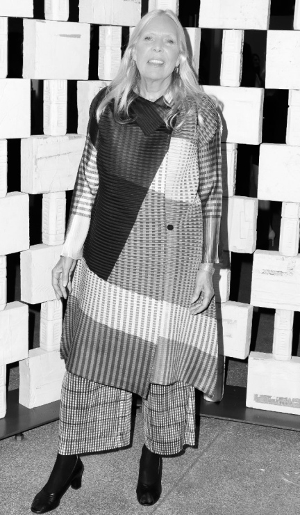 designKULTUR – Joni Mitchell Fashionista –30